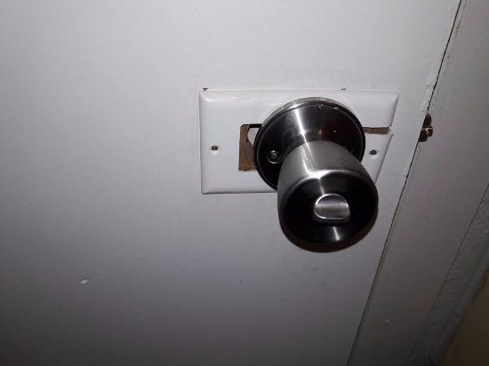 Franklin, Огайо: other side of rigged up door knob