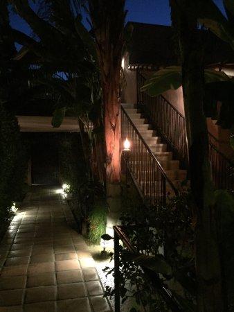 Hotel California: photo1.jpg