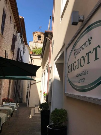 Gualdo Tadino, Italia: Il Vicolo Estivo