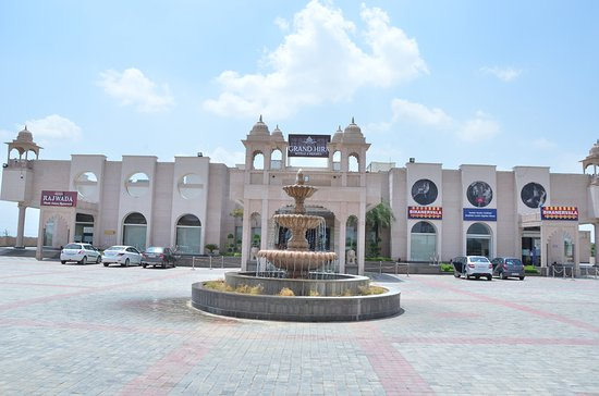 GRAND HIRA RESORTS (Neemrana, Rajasthan) - Hotel Reviews