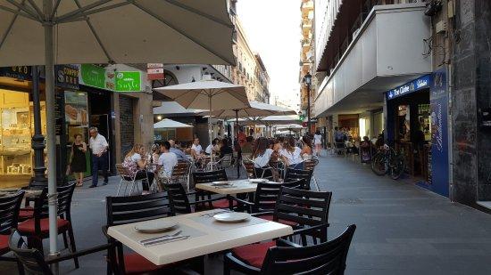L esterno del ristorante picture of velvet tapas y vinos for L esterno del ristorante sinonimo