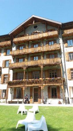 Arolla, Suíça: Bâtisse ayant su garder le charme de l'ancien.