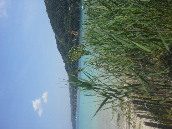 Charavines, Francia: Vue sur le lac