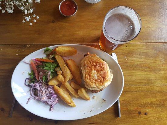 Muddiford, UK: Cajun chicken burger
