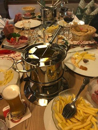 Nesselwaengle, Avusturya: Fondue Bourguignonne Plausch