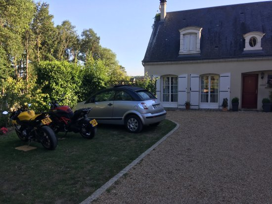 Montbazon, Francia: A few views from our stay at the Logis du Lievre d'Or