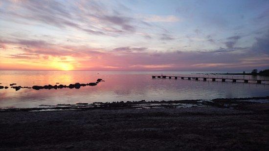 Gustavsvik Holiday Village : Sunset at the beach at Gustavsvik