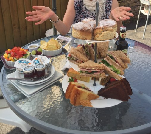 Mary's Rest Tearoom & Cafe: An excellent spread for afternoon tea