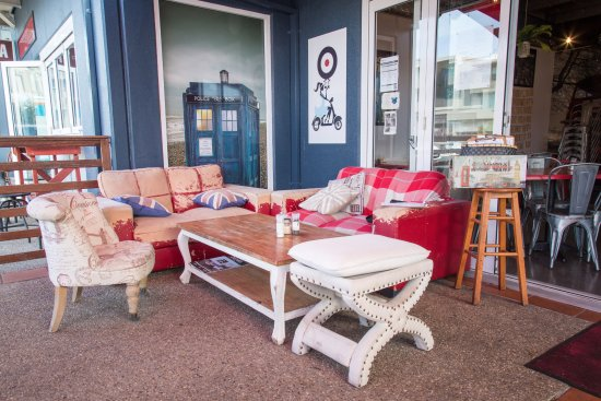 Cabarita Beach, Australia: A comfy corner to enjoy a coffee and a chat