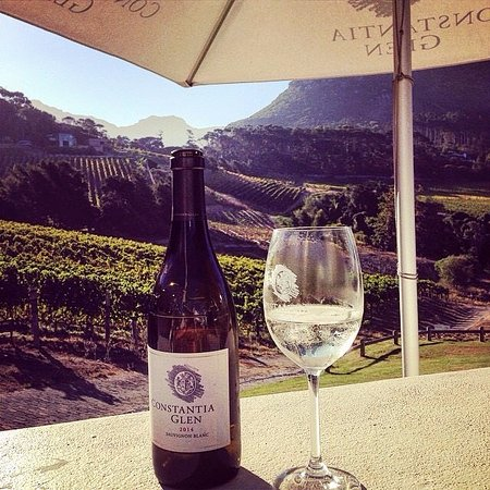 Cape Town, Sudafrica: Wine tasting with a view at Constantia Glen Winery