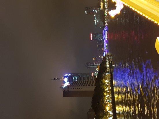 Pearl River (Zhujiang) : 20170515_201830_large.jpg
