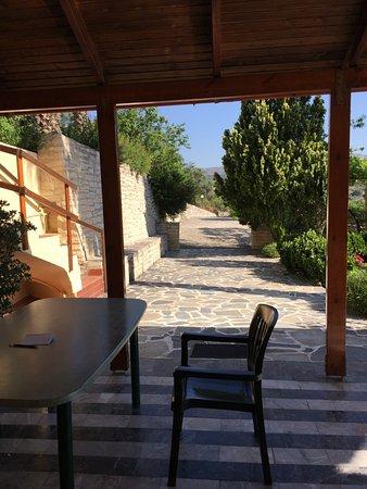 Kaloniktis, Greece: The terrace where we took breakfast every morning