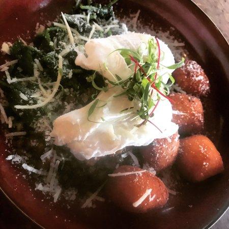 Brunswick Heads, Австралия: Pan~Fried Gnocchi Brekkie ~ Lamb Ragù & Eggplant Lasagne