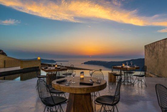 Throubi Restaurant: getlstd_property_photo