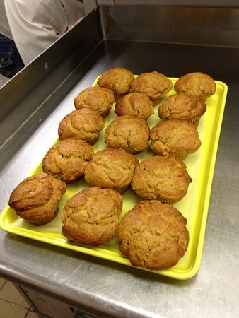 Crystal Lake, IL: How about some warm apple muffins?