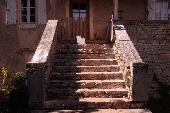 Varaire, France : La Maison Cachée