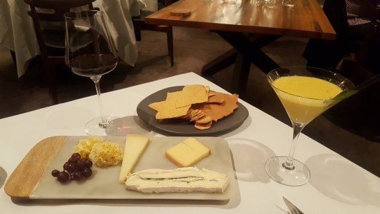 Prahran, Australia: The optional cheese course - recommended!