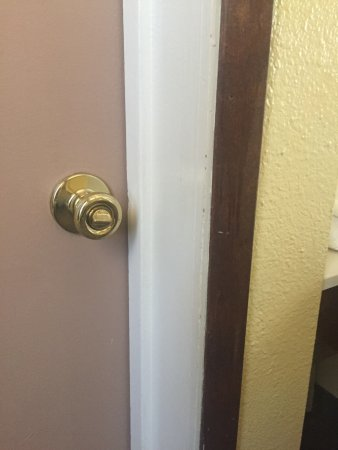 Three Rivers, CA: Lock on outside of door!