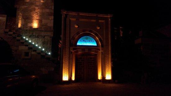 Vineyard Cave Hotel: IMG_20170606_214347_large.jpg