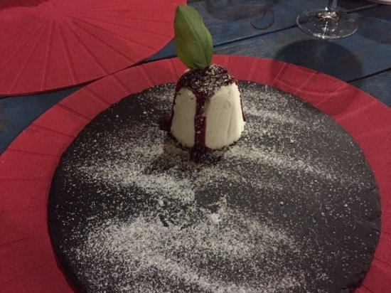 Restaurante Pintos 2: Divinal Panna Cotta