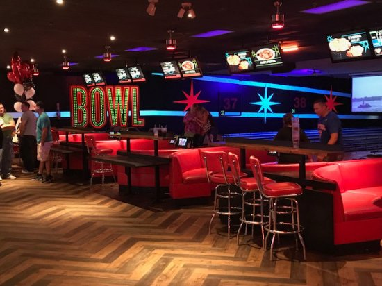 AMF: Bowlero - Wallington NJ