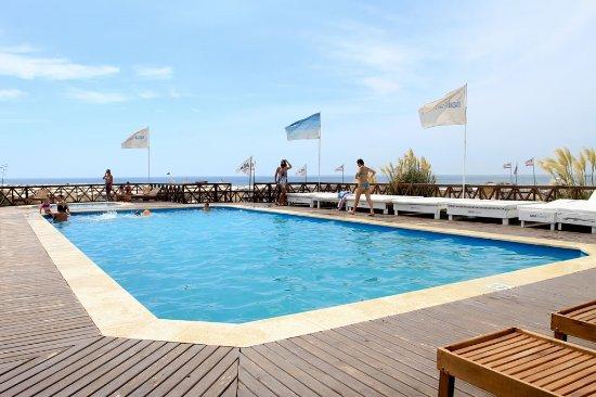 Dos reyes hotel mar del plata desde argentina for Piscina 402 granada precios