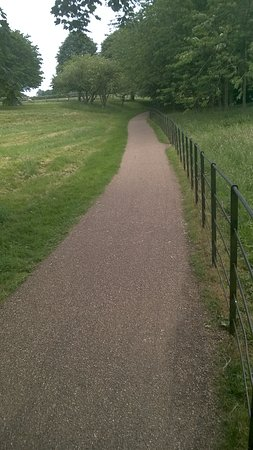 Fountains Abbey and Studley Royal Water Garden: path from entrance to abbey