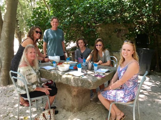 Experience Provence Tours : Lunch at Lolo's farm