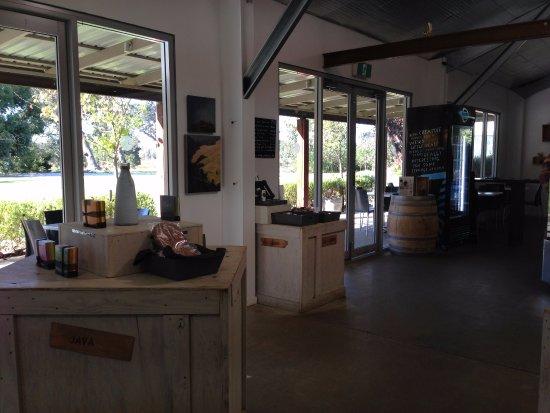 Yallingup, Australia: Shop