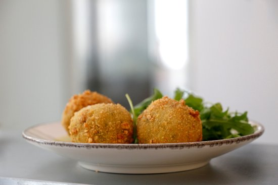 Cabries, France : Arancini au pesto Toscan