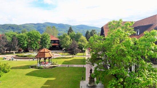Terme Catez: Территория отеля Топлице возле Зимней ривьеры