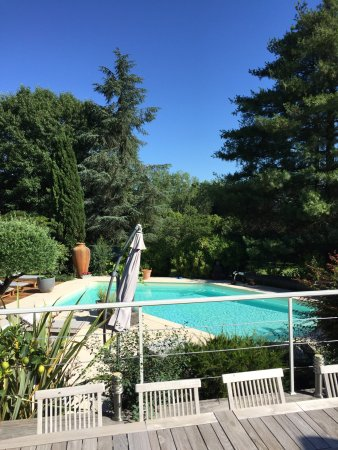 Sadirac, França: We had a lovely two nights at La Closerie. Near St Emilion. Peaceful. Lovely breakfast outside l