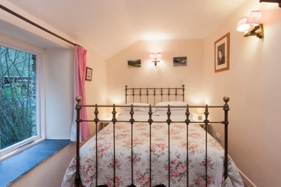 Slapton, UK: Crownwheel Cottage - Master Bedroom