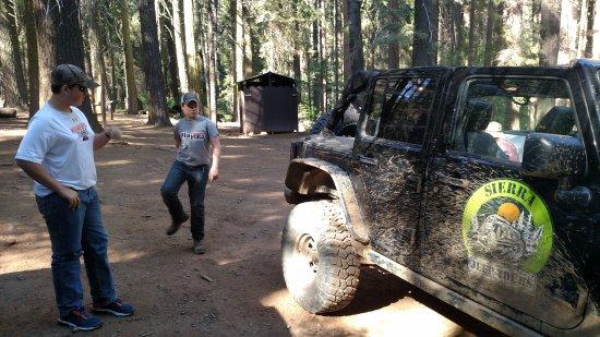 Fish Camp, CA: Great Jeep equipment.