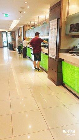 Traders Hotel, Qaryat Al Beri, Abu Dhabi: Breakfast at afya restaurant