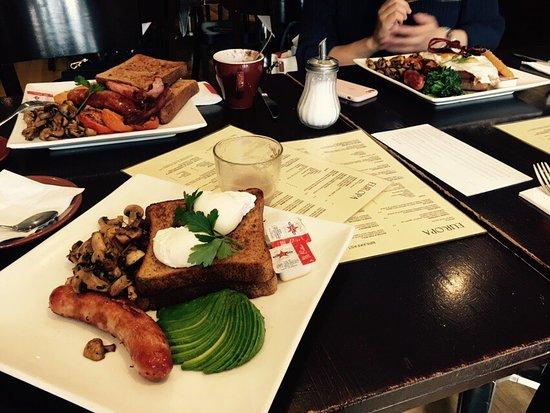 Glenelg, Australia: Yummy Breakfast with girls