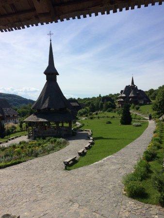 Maramures County, Ρουμανία: Barsana monastery