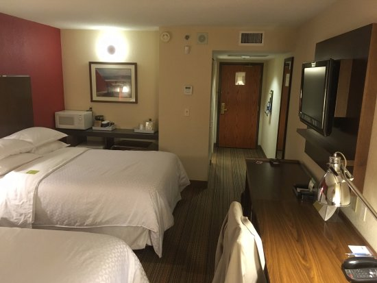 Four Points by Sheraton Winnipeg International Airport: room