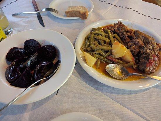 Spili, Greece: Rote Bete, Hase, Bohnen