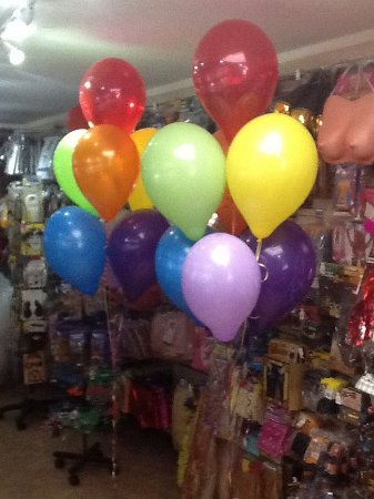 Winslow, UK: Rainbow Balloons