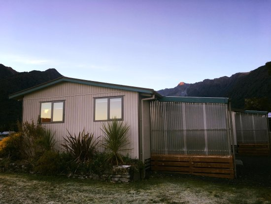 Fox Glacier TOP 10 Holiday Park Photo