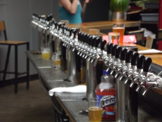 Montreal Craft Beer Tours: les tireuses