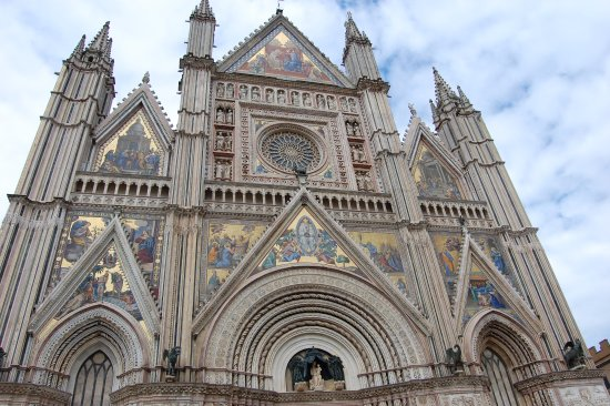 Montefalco, Italia: The beautiful, gothic Cathedral in Orvieto