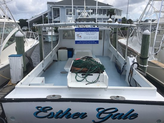 Manteo, Βόρεια Καρολίνα: Book a 2,4 or 6 hour trip on the tranquil waters of the Roanoke Sound.  Hands on-Keep your catch