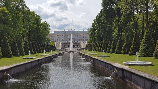 MaxiBaltTours: Peterhof mit dem weltberühmten Fontänenpark