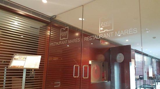 Hotel Zenit Borrell: TA_IMG_20170624_164734_large.jpg