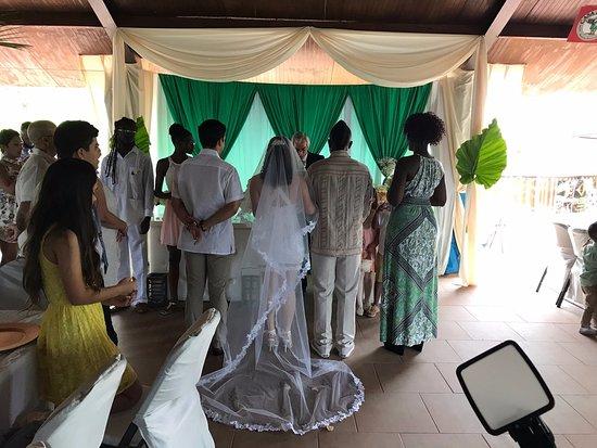 Morovis, Puerto Rico: A Caribbean Wedding