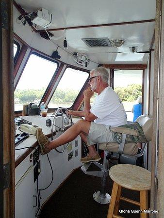 Island Princess Cruises: Capt. Bob