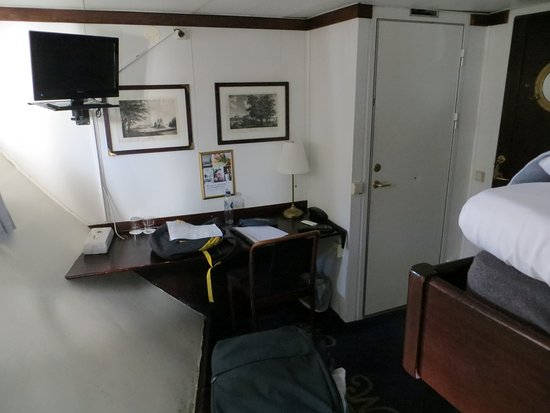 Cabina bild von malardrottningen yacht hotel and for Affitti cabina cabina resort pinecrest