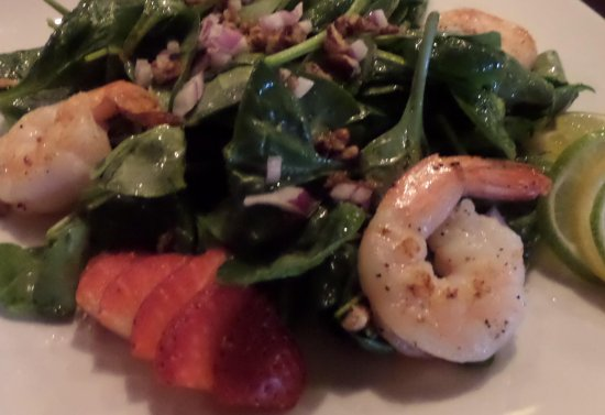 Alexandria, MN: Strawberry Spinach Salad with Citrus-Ale Vinaigrette